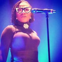 FINALLY! Singer Asa Shows Off Her White Boyfriend As They Enjoy The Beach Together - PHOTO!