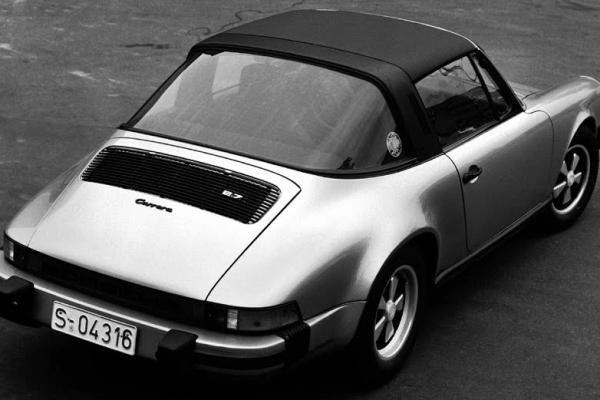 Forme sinuose e design innovativo: Porsche 911 Targa
