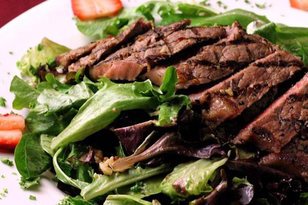steak salad 3 vinos