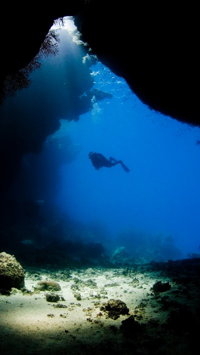 Diving underwater cave Wallpaper for iPhone X, 8, 7, 6 - Free Download on 3Wallpapers
