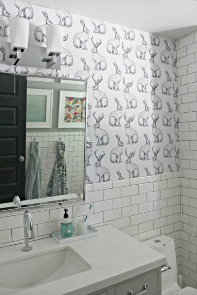 Ever wanted to wallpaper but don't want the commitment? Try this peel & stick paper.