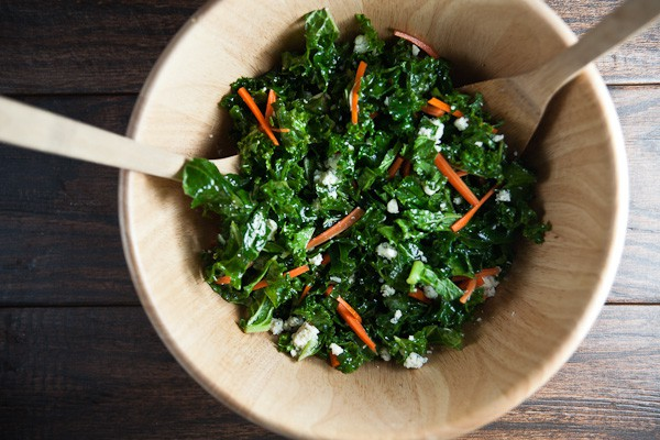 healthy-delicious_kale salad with blue cheese-3