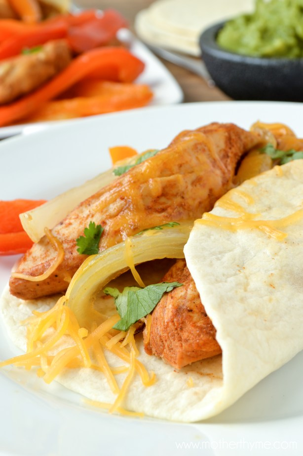 Slow Cooker Chicken Fajitas - www.motherthyme.com