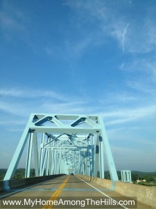 Bridge over the Ohio River in Ravenswood, WV