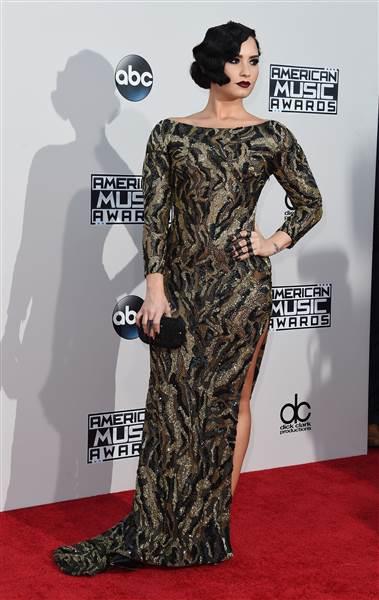 ama-redcarpet-Demi Lovato