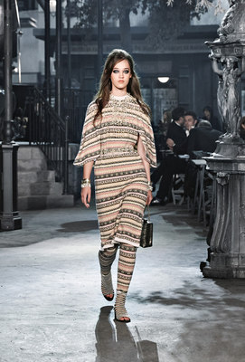 Chanel_runway_fashion_magazine_social (24)