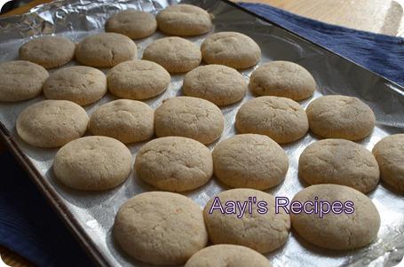 saffron-almond flavored cookies4