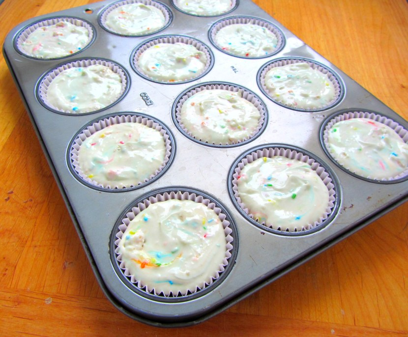 Golden Oreo Funfetti Mini Cheesecakes | A baJillian Recipes