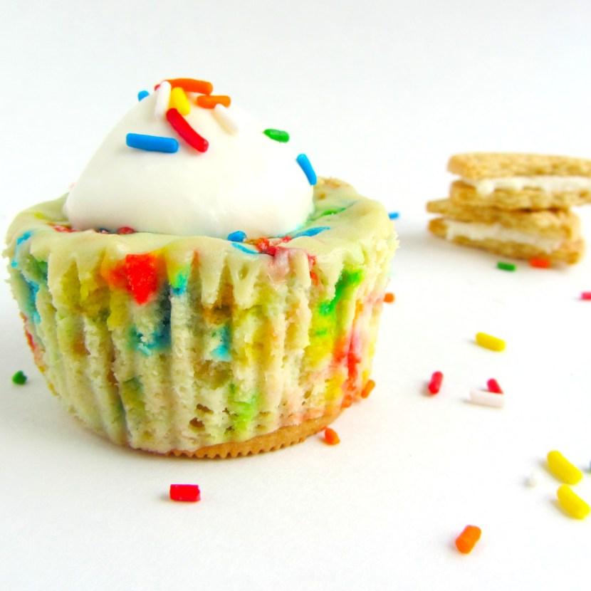 Mini Funfetti Cheesecakes with Golden Oreos | A baJillian Recipes