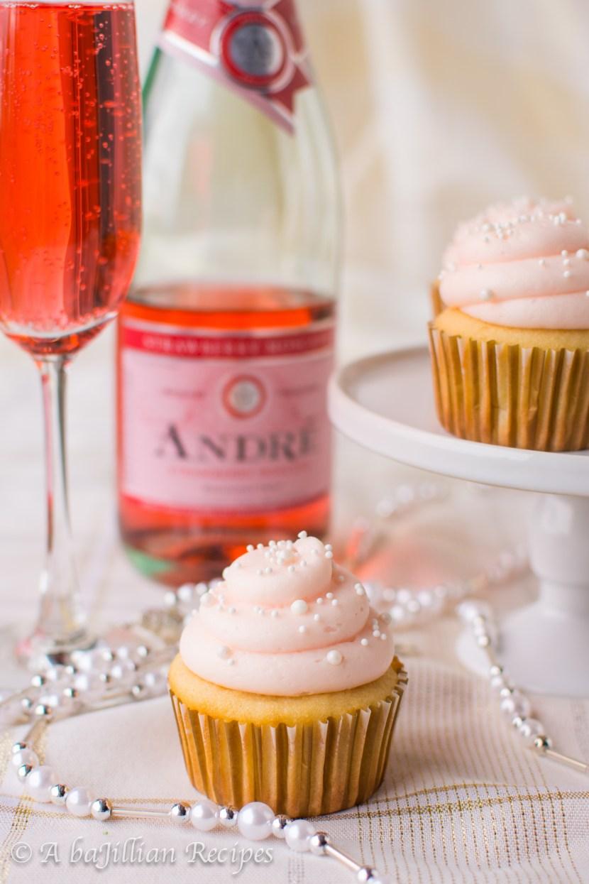pink-champagne-cupcakes-www-abajillianrecipes-com-2