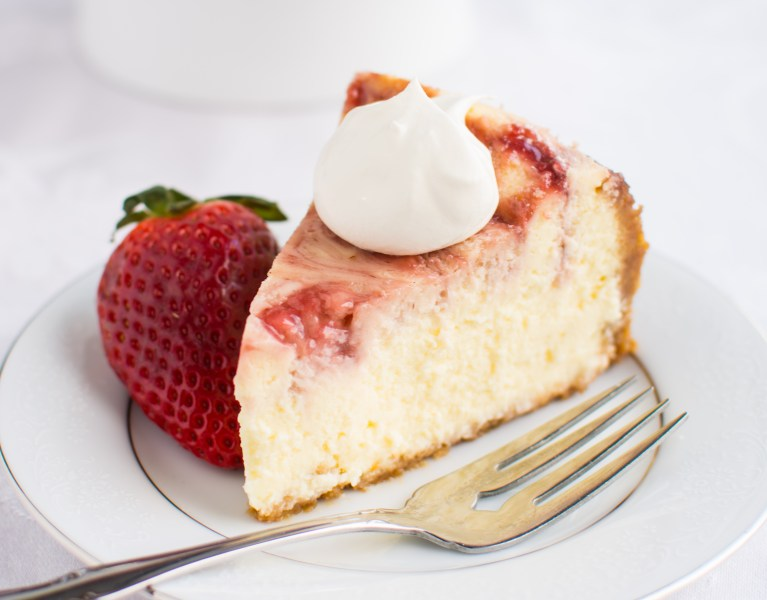 White-Chocolate-Strawberry-Cheesecake-abajillianrecipes.com-13