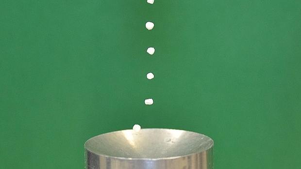 Varios experimentos han probado ya que se peude hacer flotar pequeñas partículas con sonido