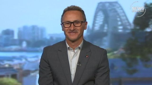 'The war on drugs is a war on people': Senator Di Natale announces plan to legalise cannabis