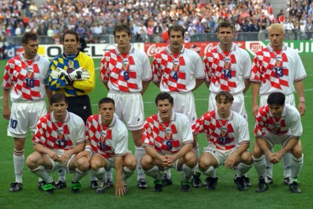 Croatia's starting 11 pose for a photo on the pitch before its 1998 World Cup semi-final against France.