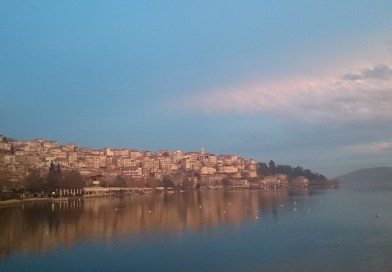 Στα ωραιότερα μέρη με λίμνες στην Ελλάδα…η αρχοντική Καστοριά