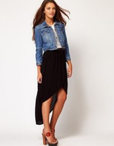 falda-asimétrica-recomendada-para-piernas-cortas