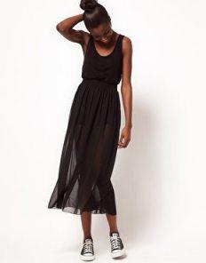 falda midi que se debe evitar si se tiene piernas cortas