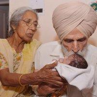 """Partorisce a 72 anni, """"miracolo"""" in India"""