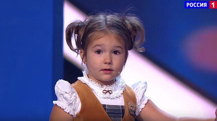 bella-bambina-russa-sette-lingue