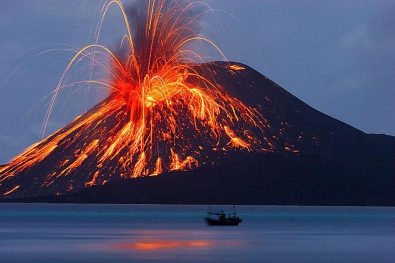 Letusan Gunung Berapi Krakatau
