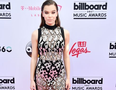 Hailee Steinfeld dressed in David Koma (2)