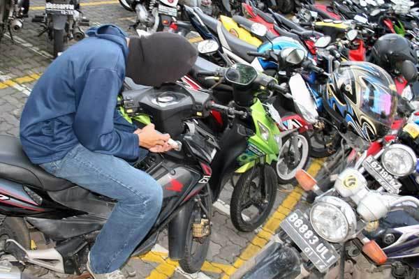 Polisi Bekuk Sindikat Pencurian Motor