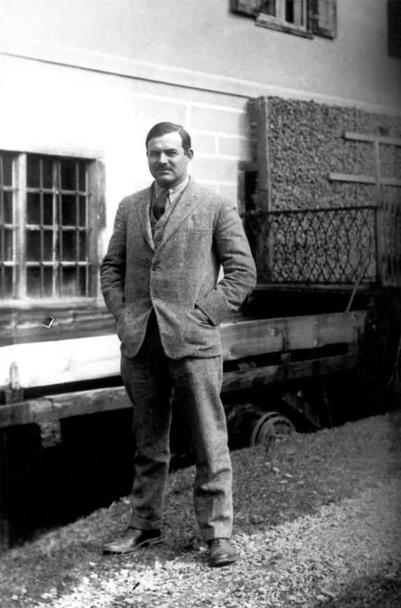 Ernest_Hemingway_3