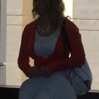 Stephen Peterson's girlfriend, Shayna Butler, silhouetted in the courthouse window. (Action Alameda News)