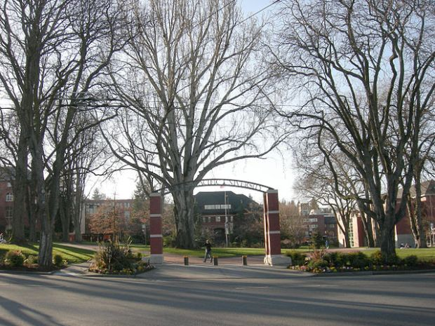 640px-Seattle_Pacific_University_05A