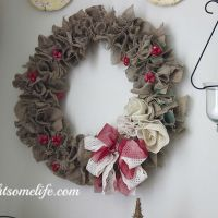 Christmas Burlap Wreath Tutorial