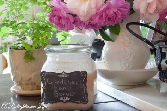A DELIGHTSOME LIFE GARDENERS HAND SCRUB5