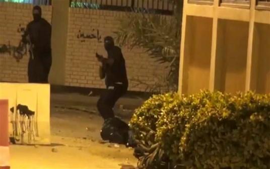 القوات البحرينية تصيب أحد المحتجين بالذخيرة الحية أثناء هجمومها على الدراز