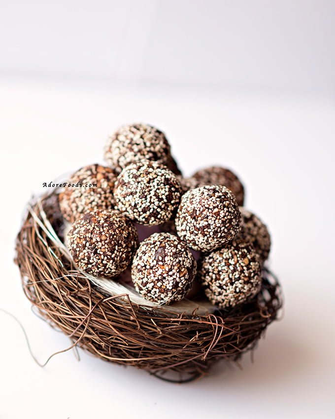 Raw cacao chia balls