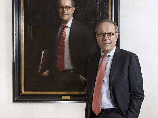 Full translated article on Jorma Ollila's portrait for Nokia painted by Adrian Gottlieb
