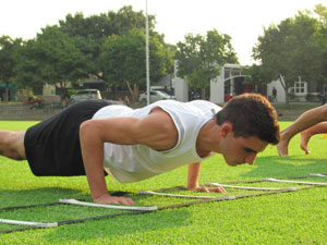 Ricardo-Borges---Ladder-push-up