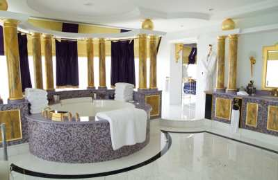 Visiting the Burj al Arab: The World's Most Luxurious Hotel - Adventurous Kate : Adventurous Kate