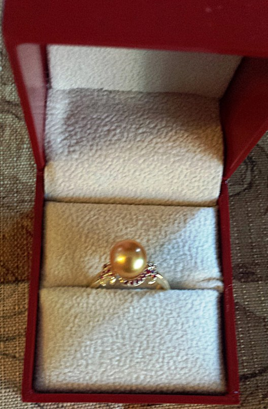 this is the actual pearl ring I received from American Pearl