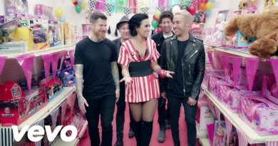 Fall Out Boy – Irresistible feat. Demi Lovato