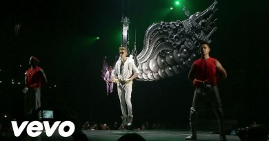 Justin Bieber – All Around The World feat. Ludacris