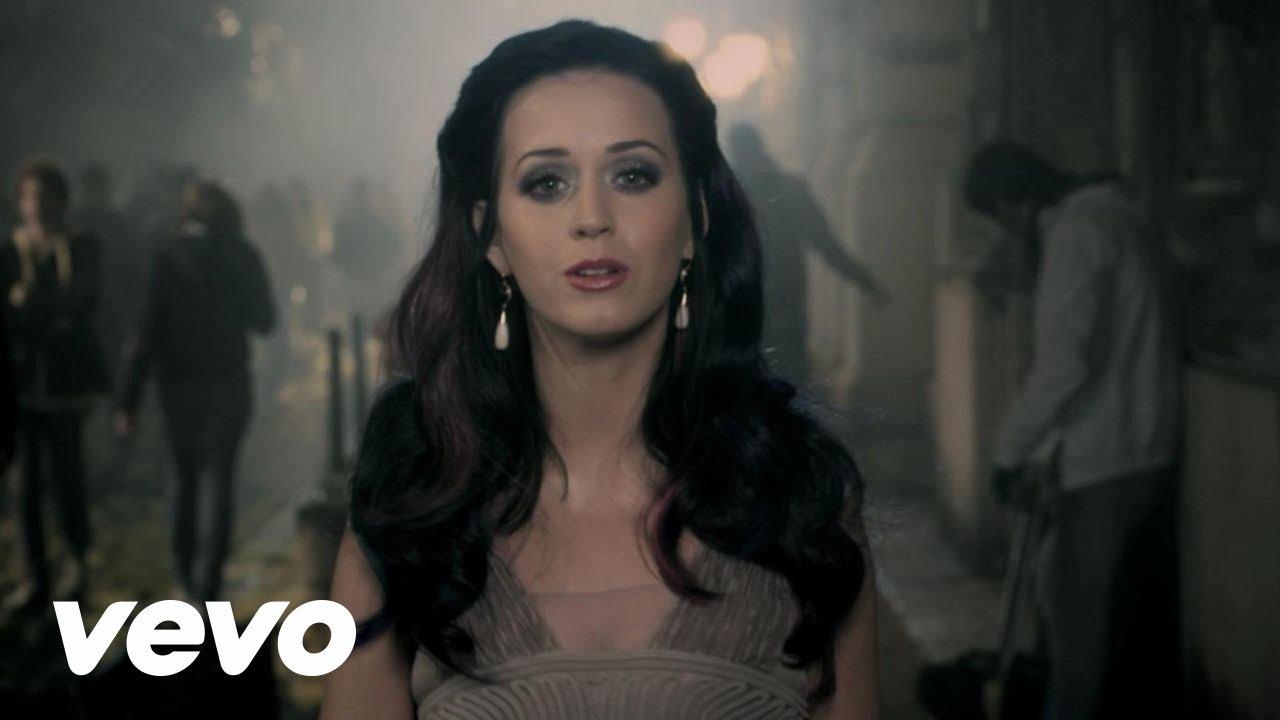 Katy Perry – Fireworks