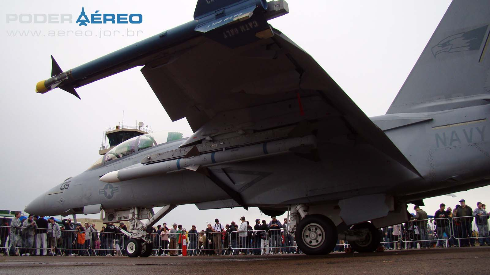 EDA 60 anos - detalhes parte inferior de Super Hornet em exposição estática - foto Nunão - Poder Aéreo