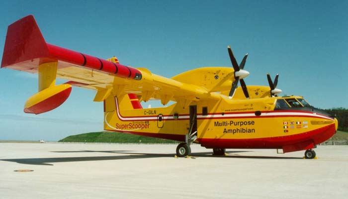 super-scooper-constructeur-bombardier-aerospace