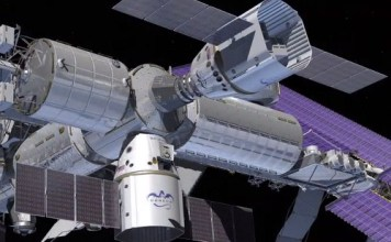 SpaceX DragonRider and Cargo Dragon spacecraft picture