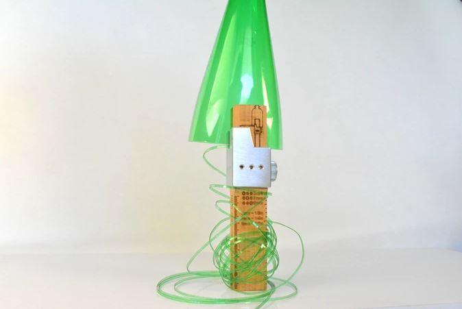 Le cutter qui d coupe les bouteilles en plastique en ficelles trucs et astuces faire la - Decoupe bouteille verre ...