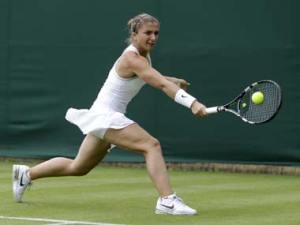 Errani_Wimbledon_AP