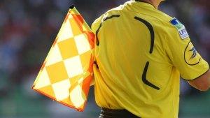 arbitres avec drapeau 3