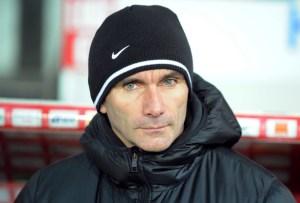 Dijon's French coach Patrice Carteron at