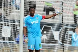 steve-mandanda-bat-un-record-dans-les-buts-de-l-om-iconsport_pet_111112_31_02,55273