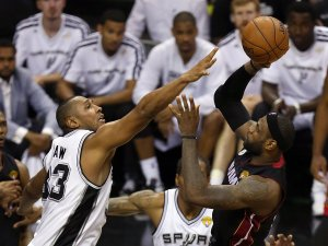 boris diaw_lebron james
