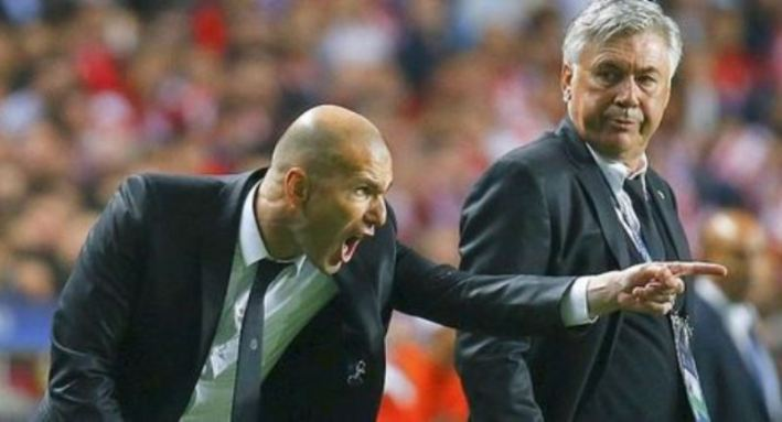 Zinedine-Zidane-et-Carlo-Ancelotti-papier